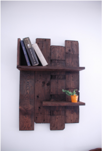 Bibliothèque en bois de palettes